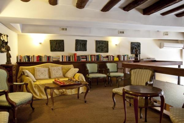 Hotel Scalzi фото
