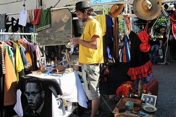 Kanzlay street flea market photo